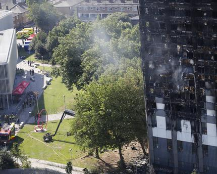 Death Toll in London High-rise Apartment Blaze Rises to 17