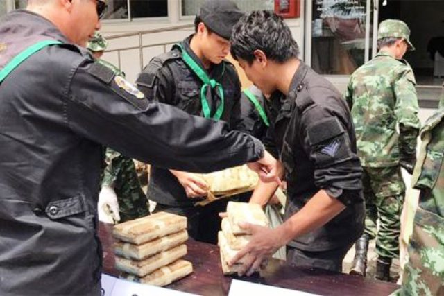 Police Seize Over 200,000 Meth Pills After Car Chase in Mae Sai