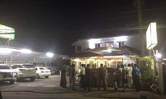 Chiang Rai Police Lay Siege to Hotel after Suspected Car Thief Threatens them with Firearm