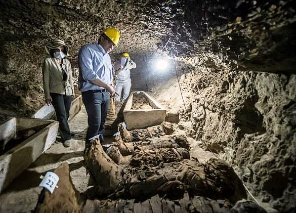Egyptian Archaeologists Discover Tombs Dating Back 2,000 Years