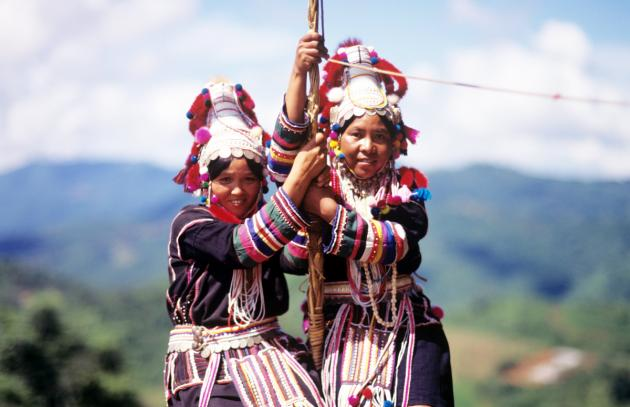 Learning Akha hill tribe's way of living in Pha Mee village