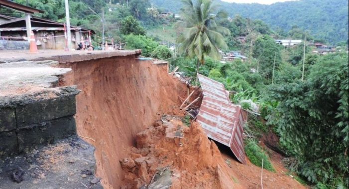 Heavy Rains Cause Landslide in Mae Fah Luang District of Chiang Rai