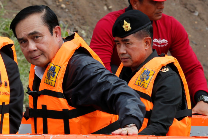 Thailand's Prime Minister Orders Army to be Prepared for Flooding