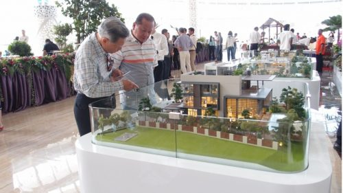 China S Largest Developer Country Garden Holdings Readies
