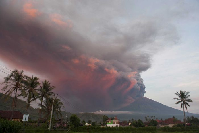 Airlines Scramble to Minimize Losses As Bali's Airport Shutdown Due to Volcanic Ash