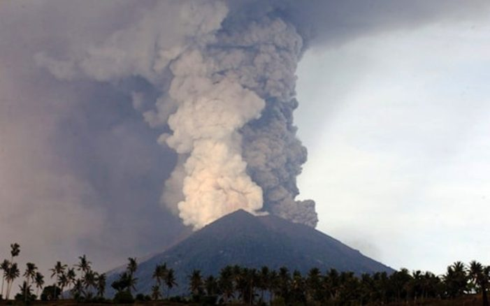 Mount Agung Eruption Strands Thousands of Travellers In Bali, Indonesia
