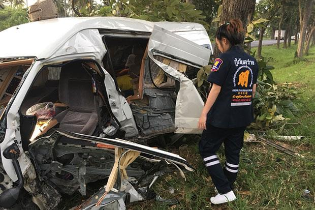 Six Seriously Injured after Passenger Van Crashes into Tree in Southern Thailand