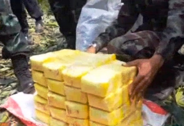 Hmong Man and Teen Arrested with Over 3 Million Meth Pills in at Mae Chan District Checkpoint