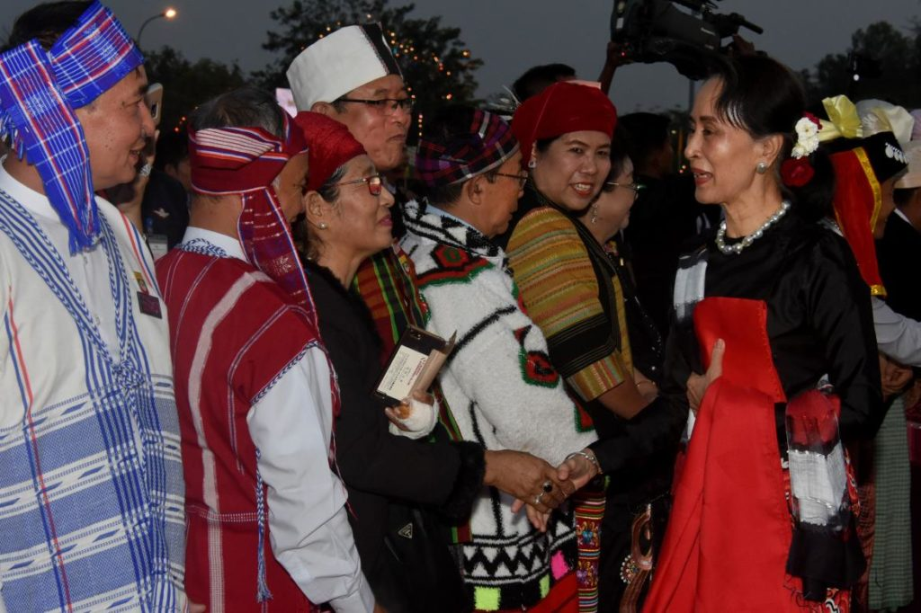 Two Armed Ethnic Groups  Sign a Ceasefire in Myanmar