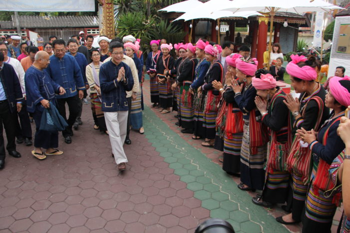 Minister Kobsak Opens Phayao's Thai Lue Cultural Event