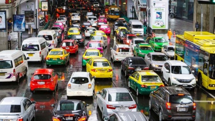 Far Hikes Proposed for Bangkok Taxi's to Help Cab-Drivers Cope with Rising Costs