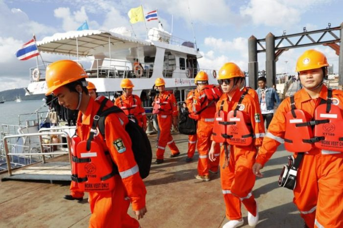 Thai Tourism Minister Pledges Justice for Chinese Victims of Dive Boat Tragedy
