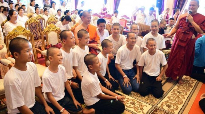 11 Wild Boars Footballers End Their Time as Novice Buddhist Monks
