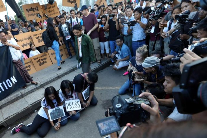 Dozens Rally in Myanmar to Demonstrate Against Jailing of Reuters Reporters