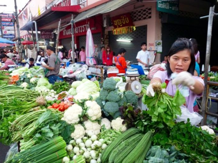 Medical Researchers Warn of Pesticide Residue on Thai Fruit and Vegetables