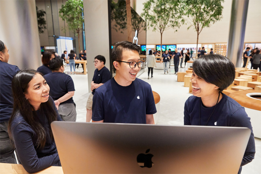 """Apple Opens First Store """"Apple Iconsiam"""" in Bangkok this Saturday"""