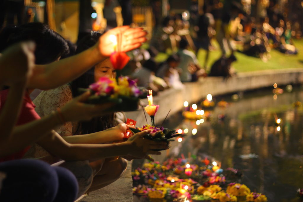 Tradition, Environment, Safety are Key for Loy Krathong 2018