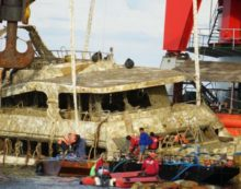 "Specialists Report Says Phoenix Boat Which Sunk and Killed 47 Chinese Tourists Was ""Substandard Construction"""