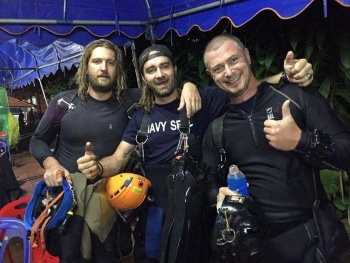 Foreign Divers Back for Clean-Up at Chiang Rai's Tham Luang Cave