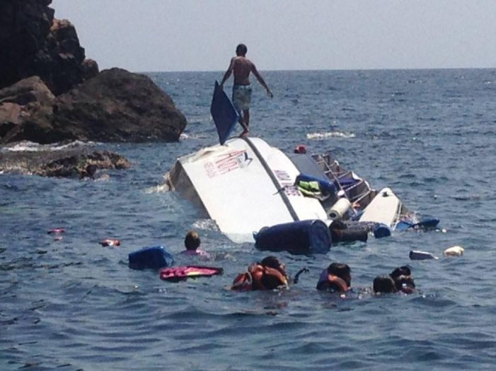Forty Three Tourists Rescued After Tour Boat Capsizes and Sinks on its Way to Koh Phi Phi