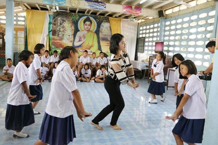 Northern Thai Woman Fulfills Childhood Dream to Teach, But Without Pay