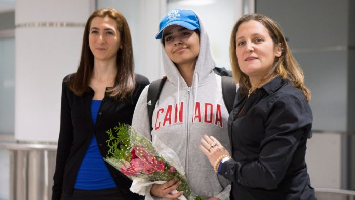 Saudi Teen Rahaf al-Qunun Welcomed as 'New Canadian' By Canada's Foreign Minister