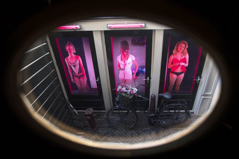 City of Amsterdam Comes Under Fire for Banning Guided Tours of Red Light District