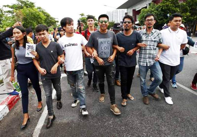 Thai Police Summon Thirteen Thai Political Activists to Face Sedition Charges