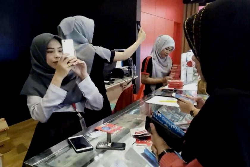 Thailand's Muslim-Majority South Ordered to Submit Photo to Register Sim Cards