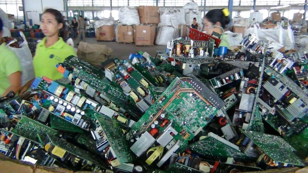 Thailand Becoming a Dumping Ground for Worlds E-Waste