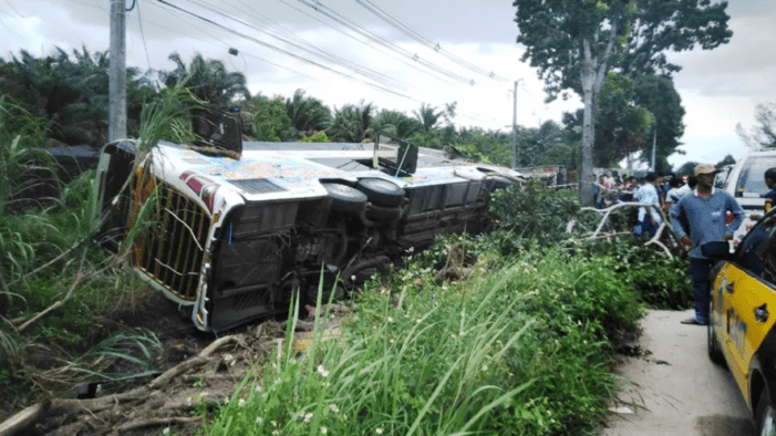 Tour Bus Transporting Students Crashes Killing One, Injuring Eighteen