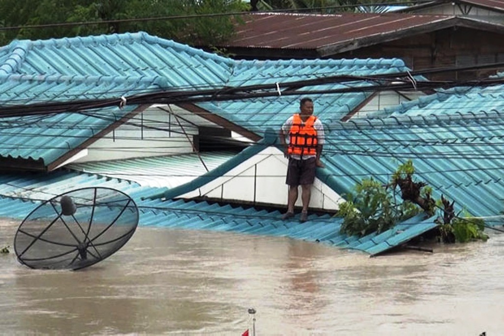 Floods Cause16 Deaths, Affect 102,074 Households in Thailand