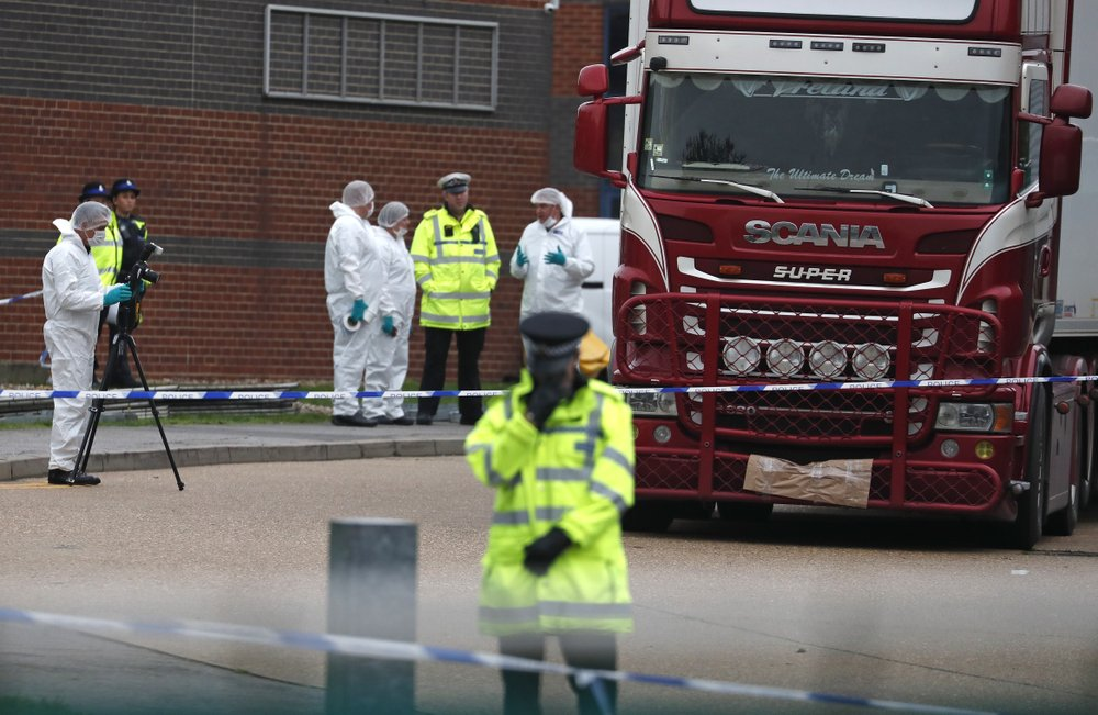 39 Death Victims Found in a Truck Trailer in UK Were Chinese