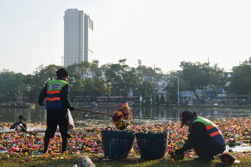 Over 90 Percent of Krathongs Collected in Bangkok Were Biodegradable