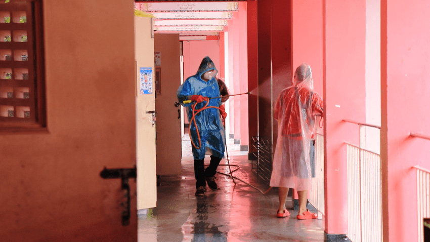 Coronavirus chiang mai school