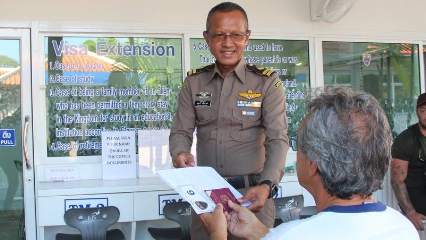 foreigners visa extention Thailand