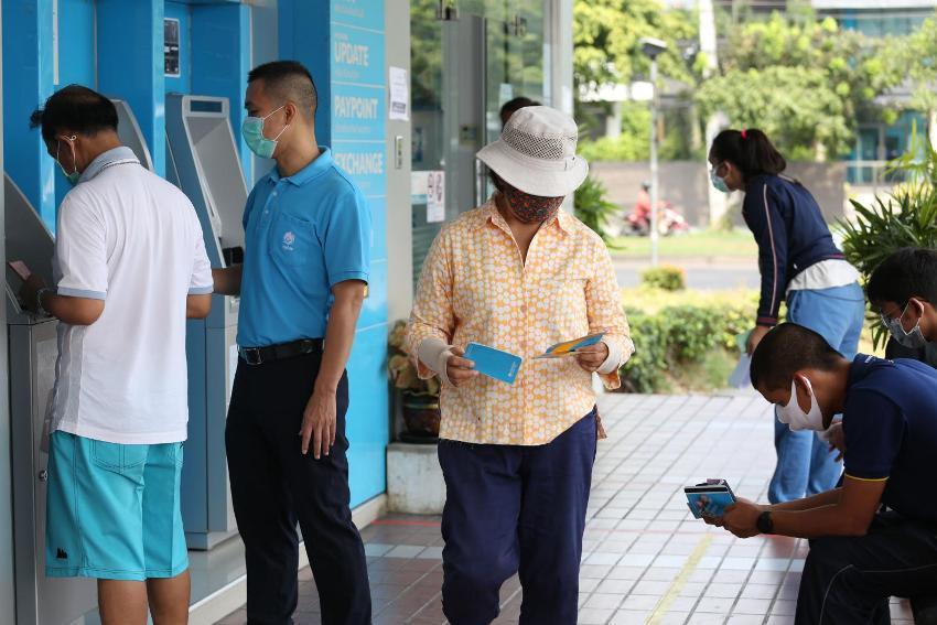Cash Handout thailand
