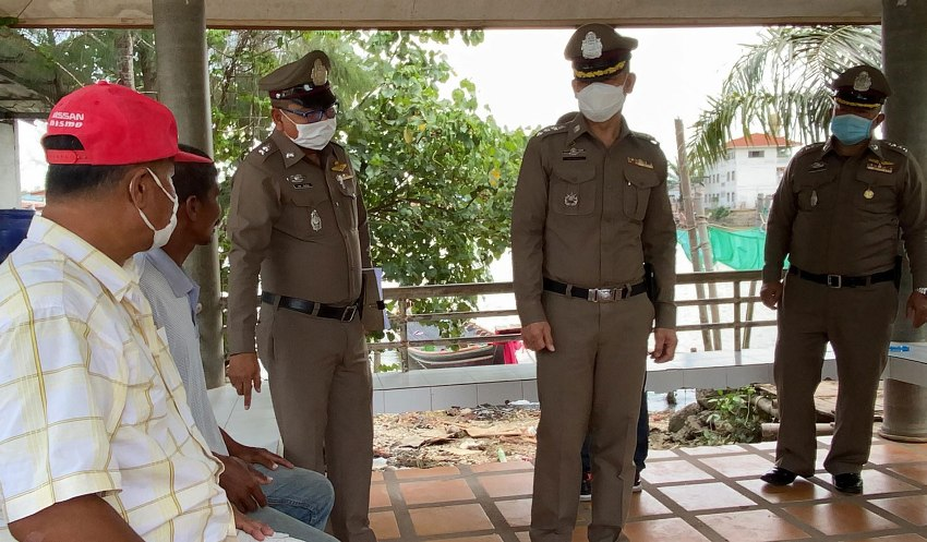 Policemen, extrotion, Shellfish Trader, Extortion, Thailand