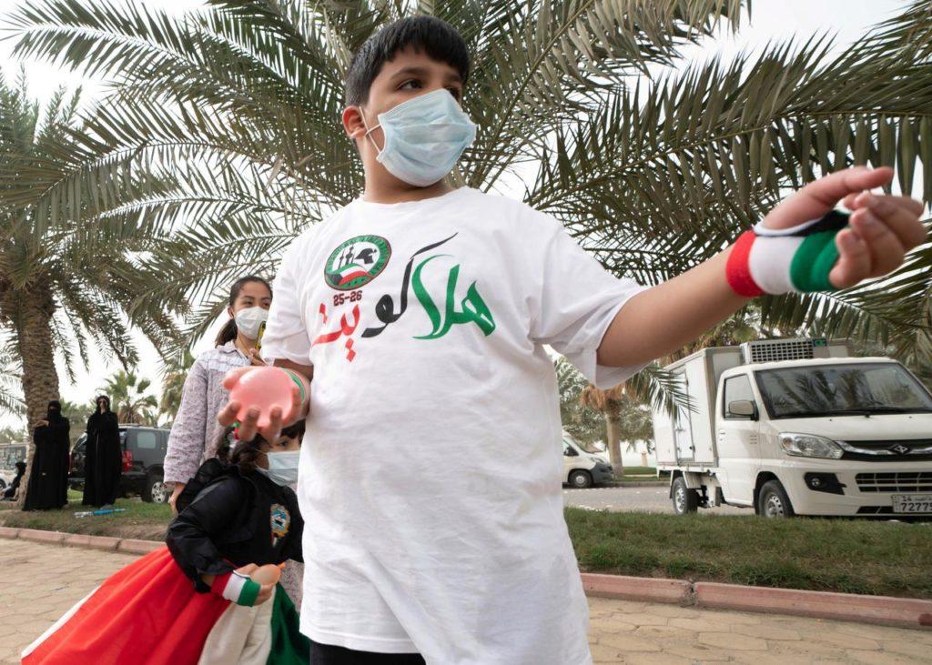 Kuwait and Qatar face masks, coronavirus cases