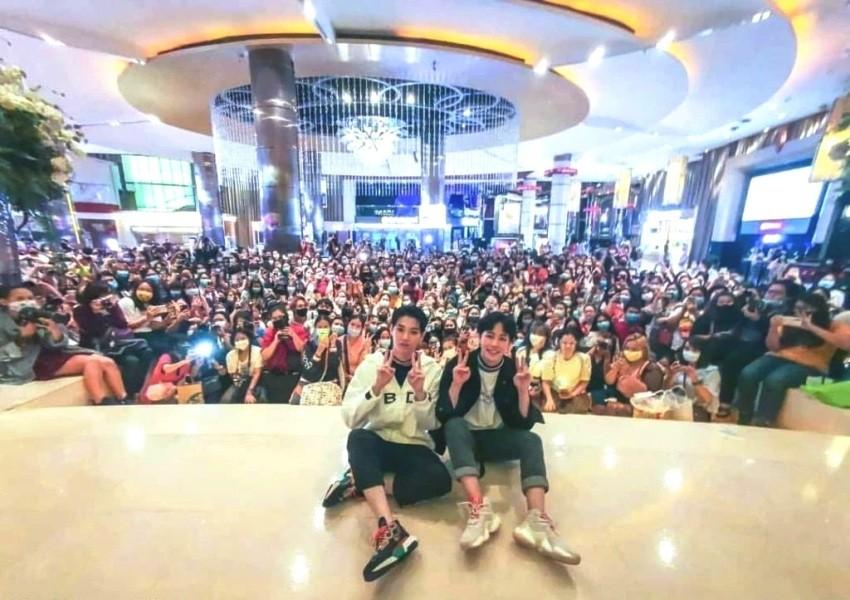 Cineplex, theater, thailand, social distancing, fans