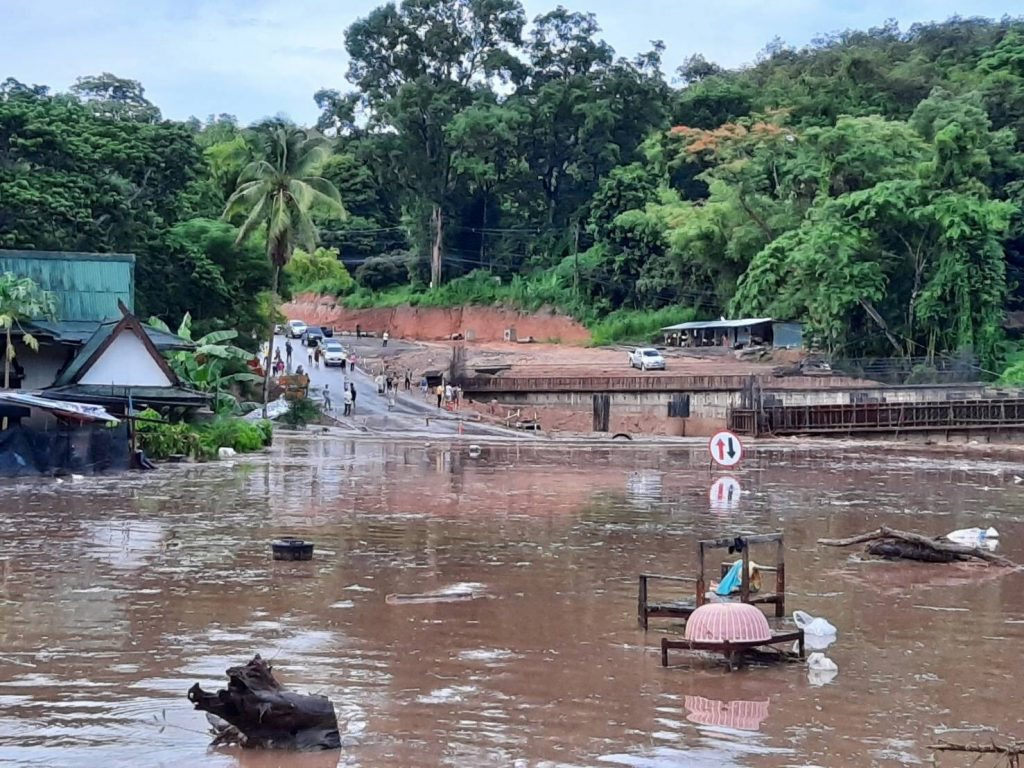 hiang Mai-Chiang Rai Road Flooding
