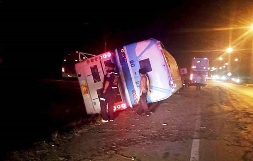 Charn Tour bus, crash, Thailand