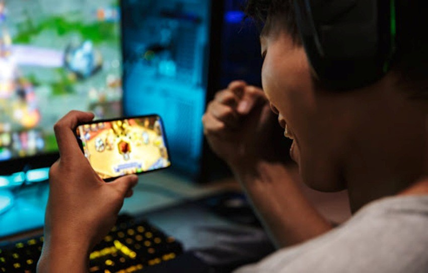 Online Poker Games Give You Double Enjoyment than Live Poker Gaming