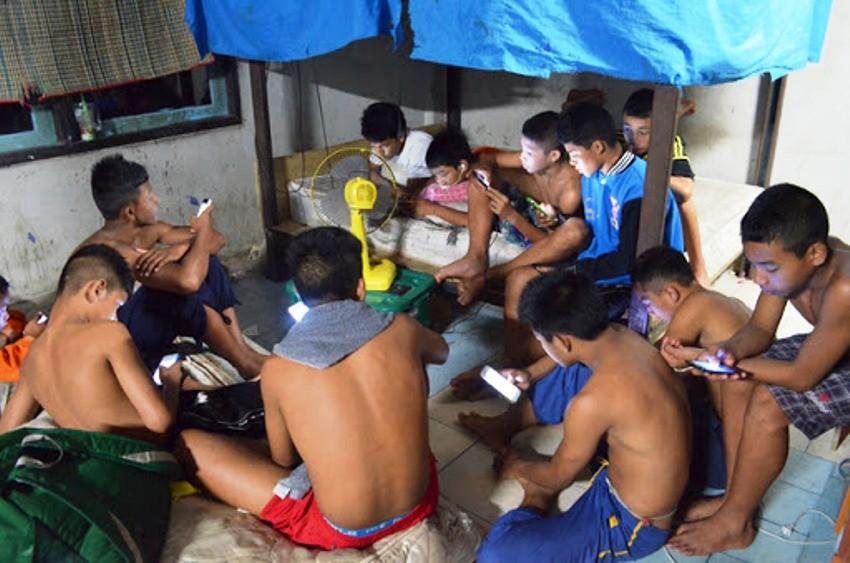 Children Smartphones, Addiction, Thailand