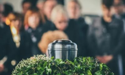 Cremation of loved ones, Urn