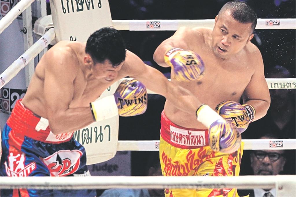olympics boxing champions Manus Boonjamnong