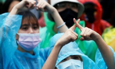 Thai Anti-Government Protesters Learn a Whole New Sign Language
