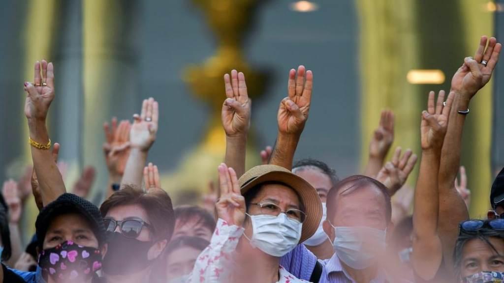 Royal Thai Police Order Probe into Thai Media Coverage of Protest