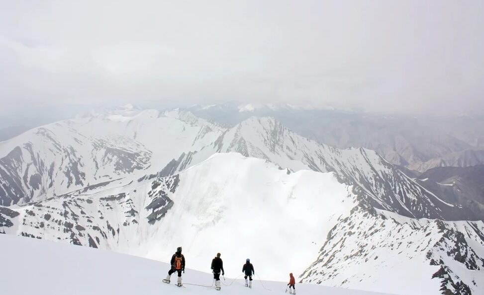 trek ,himilayas, summit
