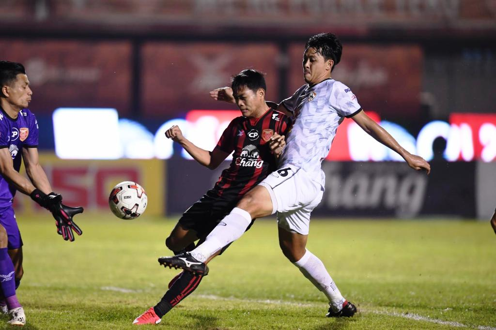 Chiang Rai United Move into 2nd Place after Win Over Police Tero FC
